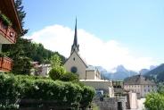 21-Kirche mit Berge