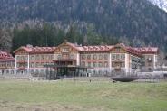 48-Grand Hotel